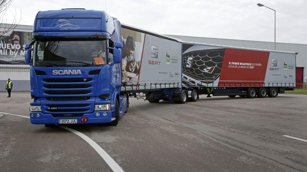Foto: Imagen del Megatruck, el camión más grande de España. (EFE)