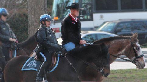 El nuevo Secretario del Interior de EEUU va a trabajar a caballo en su primer día