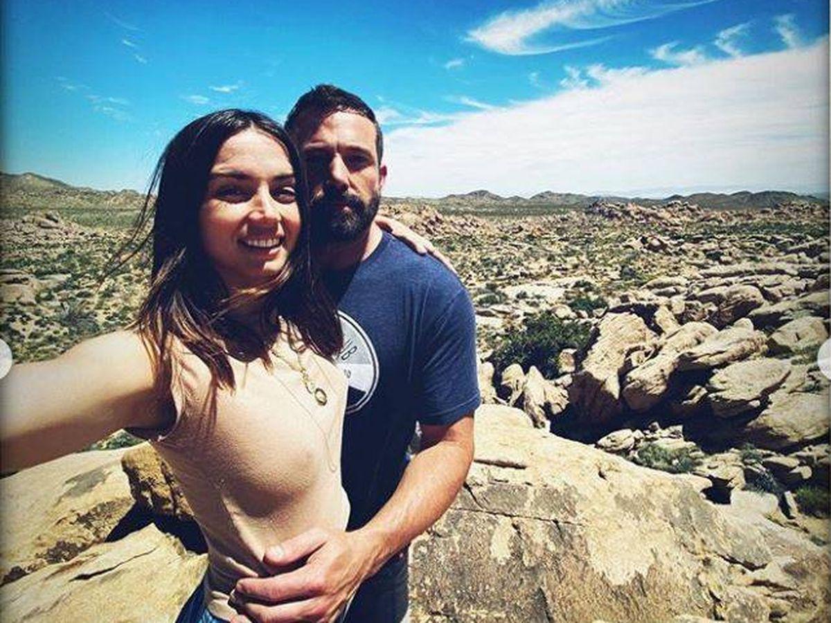 Foto: Ana de Armas y Ben Affleck, en la imagen 'oficial' que confirma su noviazgo. (Instagram)