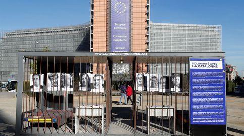 Una cárcel en el barrio europeo el día que se presenta el libro con Puigdemont