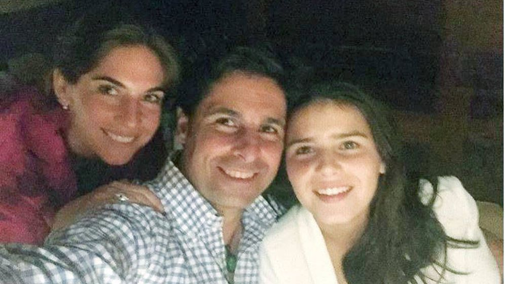 Foto: Fran Rivera, Lourdes Montes y Tana Rivera. (Redes)