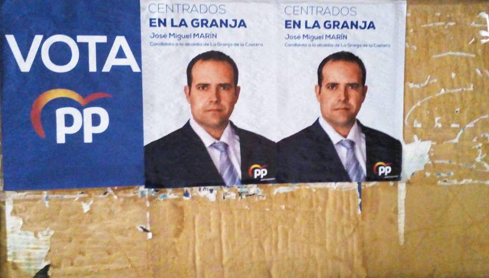 Foto: Cartel electoral del PP en La Granja de la Costera. (EC)