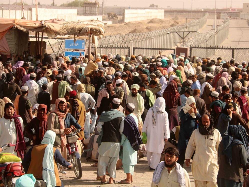 Afganistán: elecciones. Luchas políticas y militares. - Página 22 La-otra-frontera-afgana-que-no-sale-en-la-tele-20-000-refugiados-al-dia-cruzan-a-pakistan