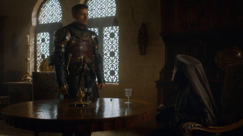 Imagen del tercer capítulo de la séptima temporada con Jaime contemplando a Olenna Tyrell