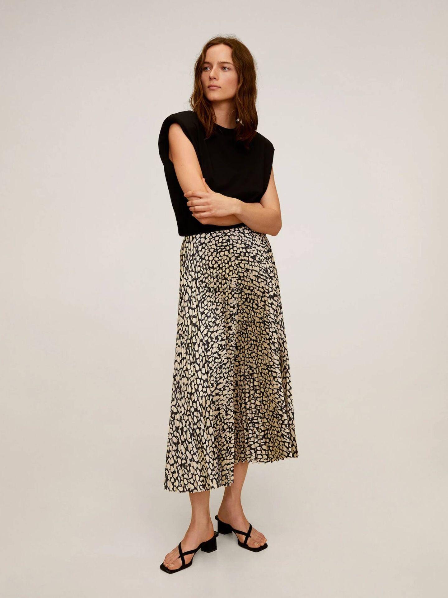 La falda midi de Mango Outlet para looks infinitos. (Cortesía)