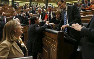 Pastor se encomienda a Guindos y Nadal para poder privatizar el AVE