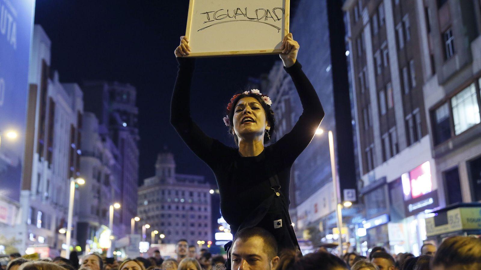 Foto: Manifestación durante el Día de la Mujer el pasado año en Madrid. (EFE)