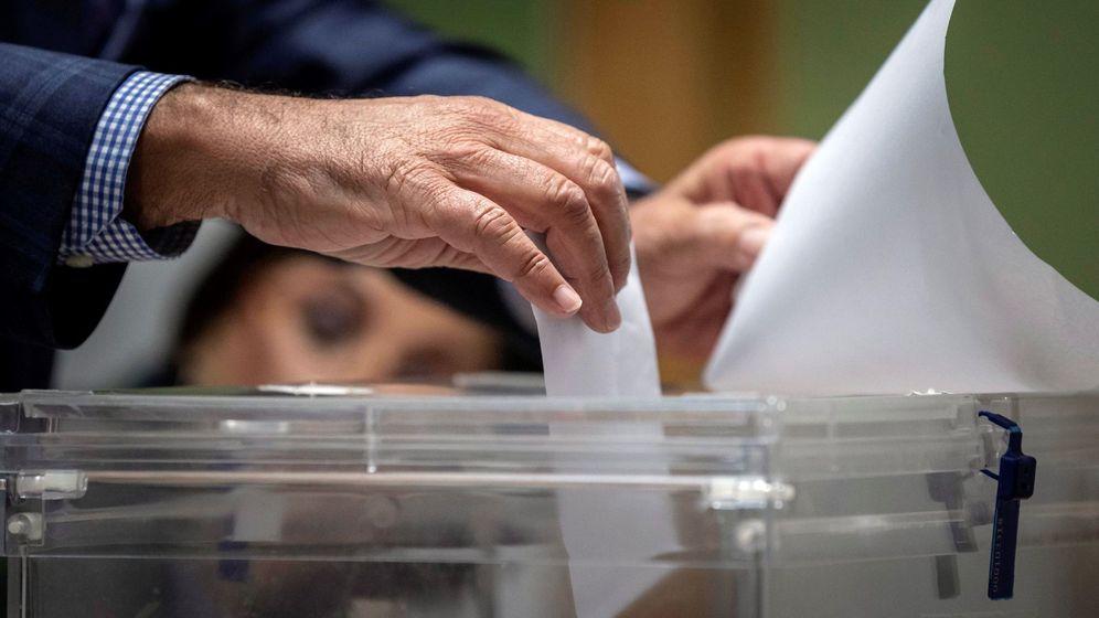 Foto: Votaciones en la jornada electoral del 10 de noviembre. (EFE)