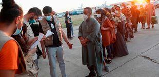 Post de España agiliza el reparto de afganos con decenas de traslados a las CCAA y la UE