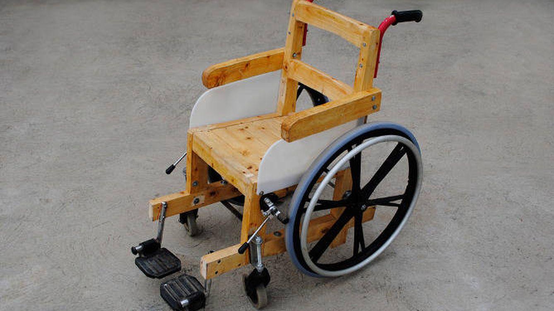 Fotogaler a sillas de ruedas recicladas en ruanda fotogaler as de tecnolog a - Ruedas para sillas de ruedas ...