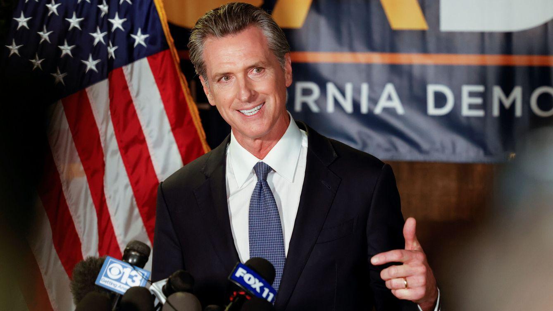 Fracasa la revocatoria contra el gobernador demócrata de California, que revalida su cargo