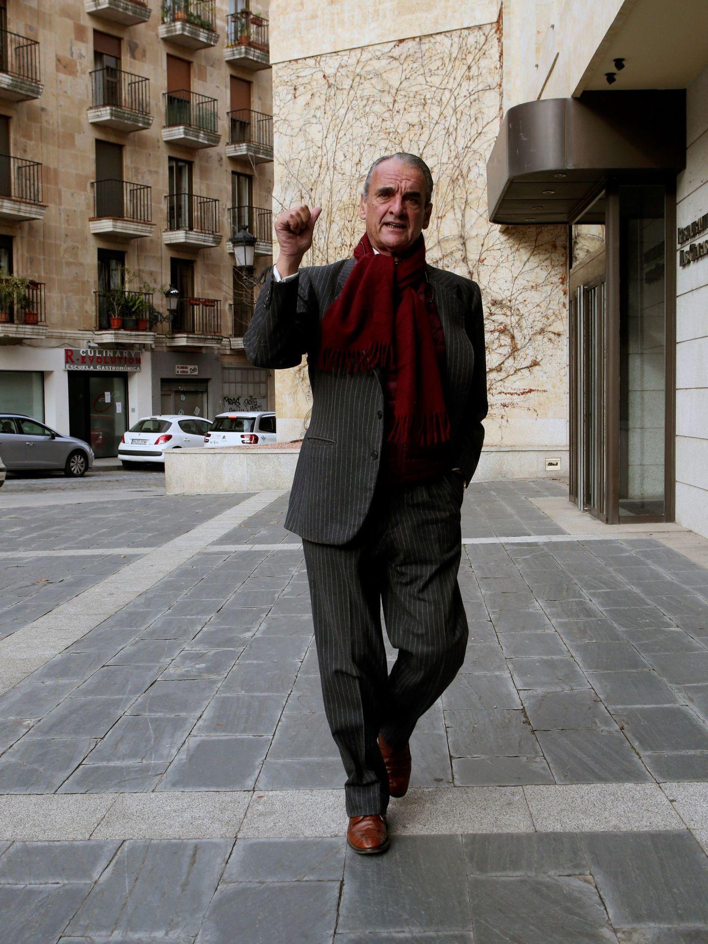 Mario Conde, dando un paseo. (EFE)
