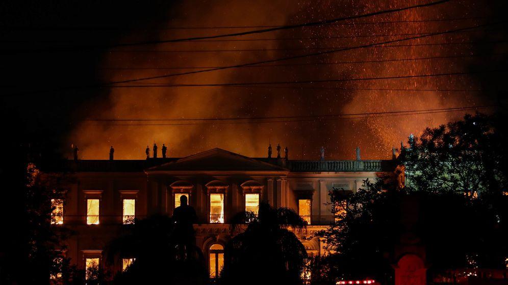 Foto: Incendio en el Museo Nacional de Brasil. (EFE)