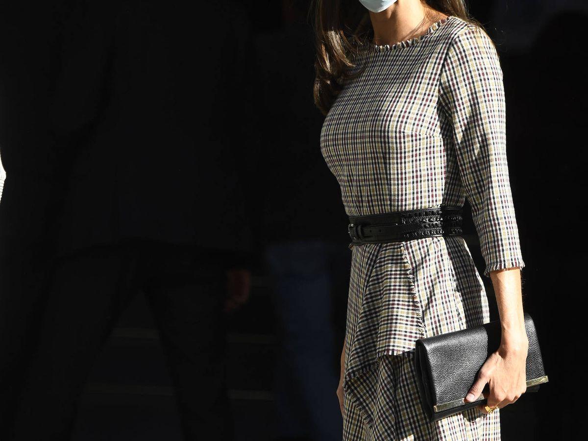 Foto: La reina Letizia, a su llegada al acto. (Limited Pictures)