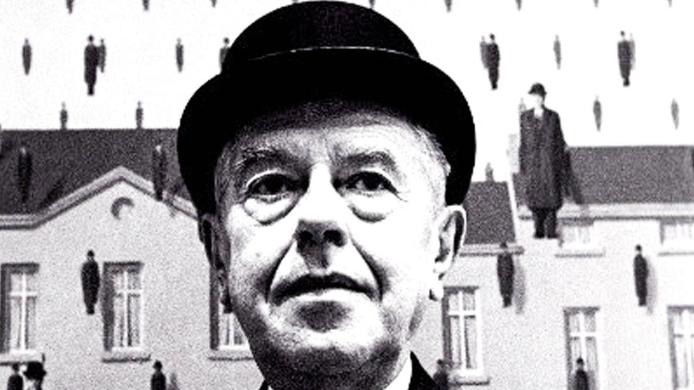 Foto: René Magritte, en Moma en 1965. / STEVE SCHAPIRO