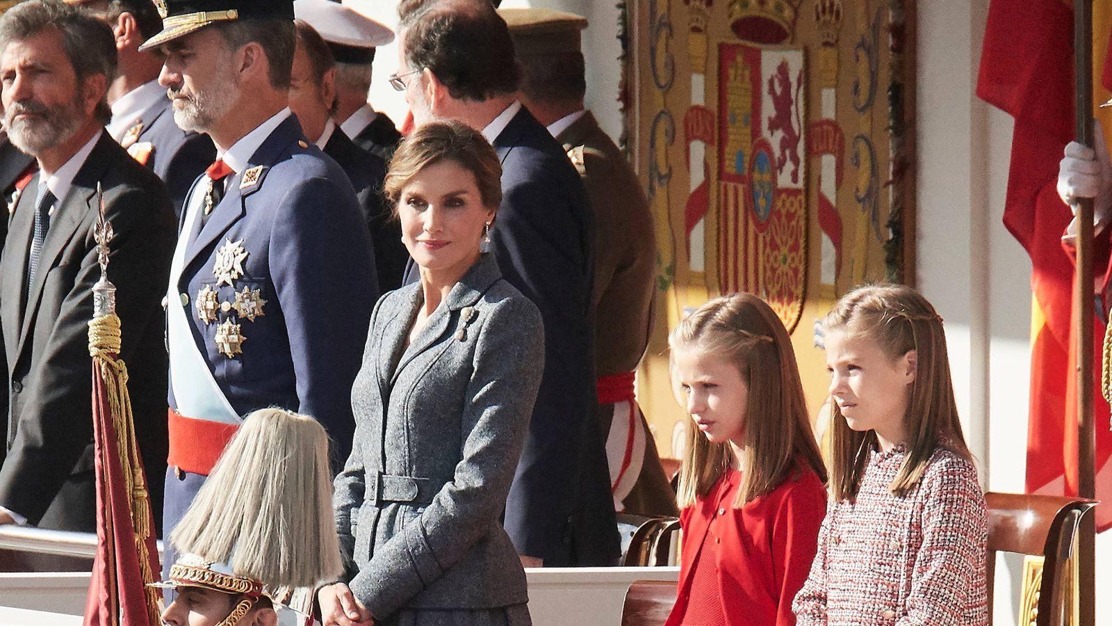 Foto: La Familia Real en el desfile militar del 12 de octubre de 2017. (Limited Pictures)