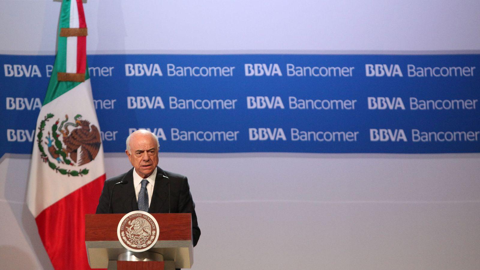 Foto: El presidente de BBVA, Francisco González, tras un acto en México. (EFE)