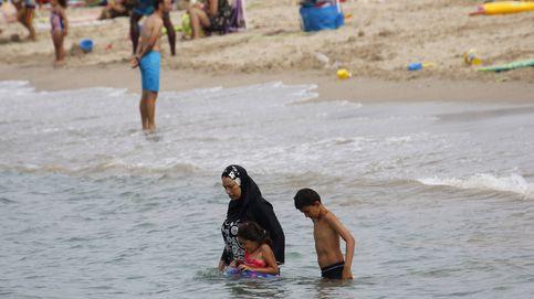 Vete. Aquí somos católicos: caza al burkini en las playas de Francia