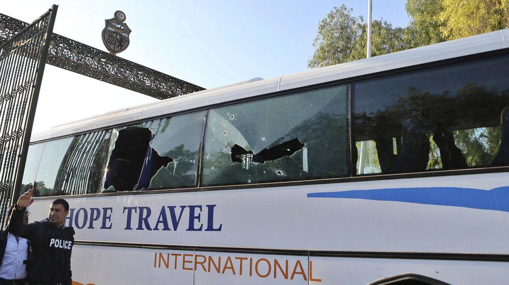 Foto: Un atentado en Túnez deja 18 turistas muertos, entre ellos dos españoles (EFE)