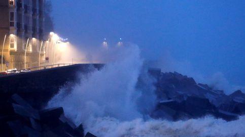 Multa de 200 euros a una 'runner' al saltarse el precinto de seguridad por el temporal