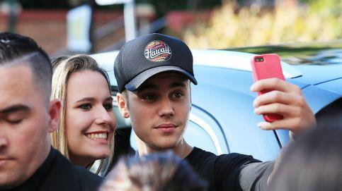 Bieber se deja ver con una misteriosa rubia tras romper con Selena Gomez