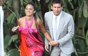 La prensa argentina casa a Messi y su novia, Roccuzzo, en Venecia