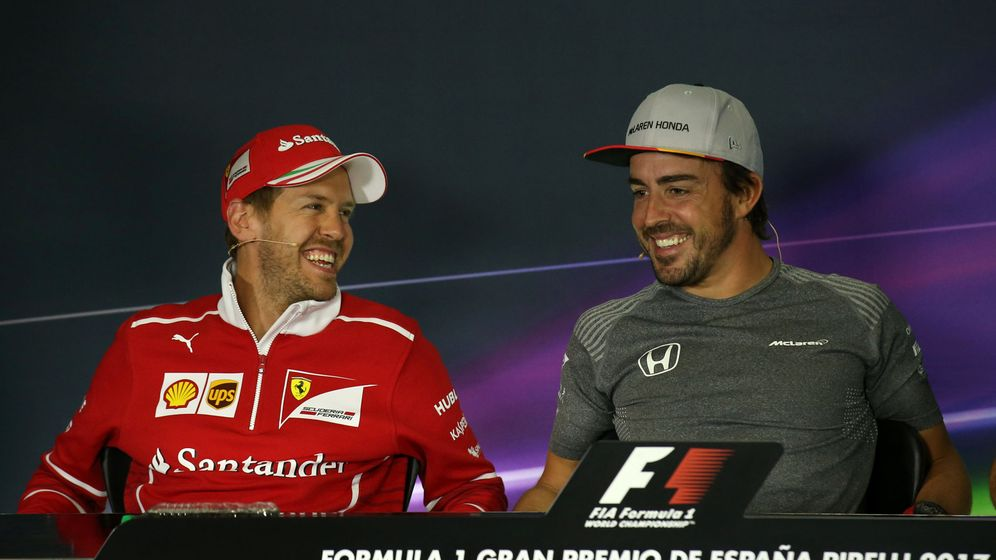 Foto: Sobre el papel, Fernando Alonso dependería de una retirada o marcha a otro equipo de Sebastian Vettel