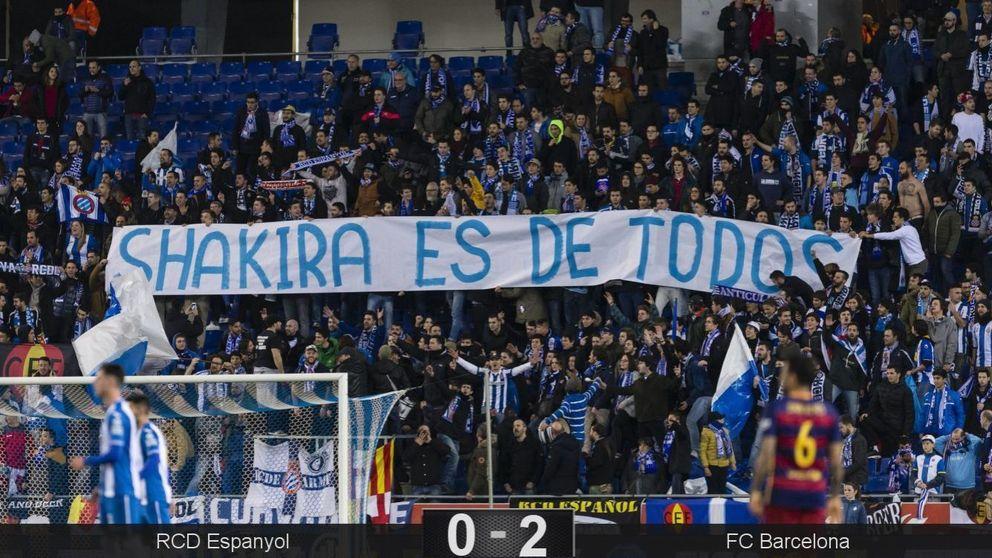 Gritos y pancartas insultan a Shakira durante el derbi Barcelona-Espanyol