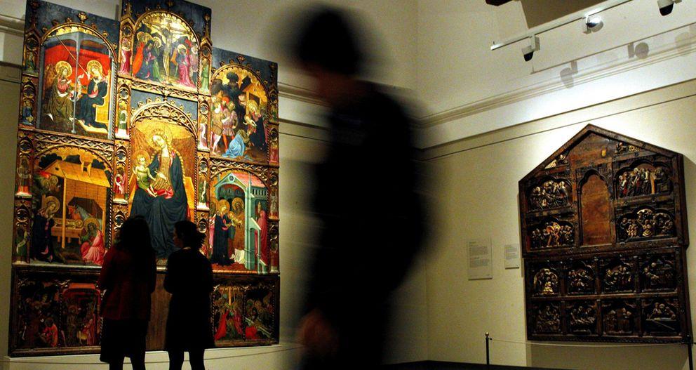 Foto: Una de las vistas de la sala dedicada a la donación Várez Fisa, con el 'Retablo de la Virgen', en primer término. (EFE)
