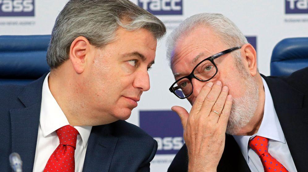 Foto: Jordi Xuclà y Pedro Agramunt, en una rueda de prensa en Moscú. (EFE)