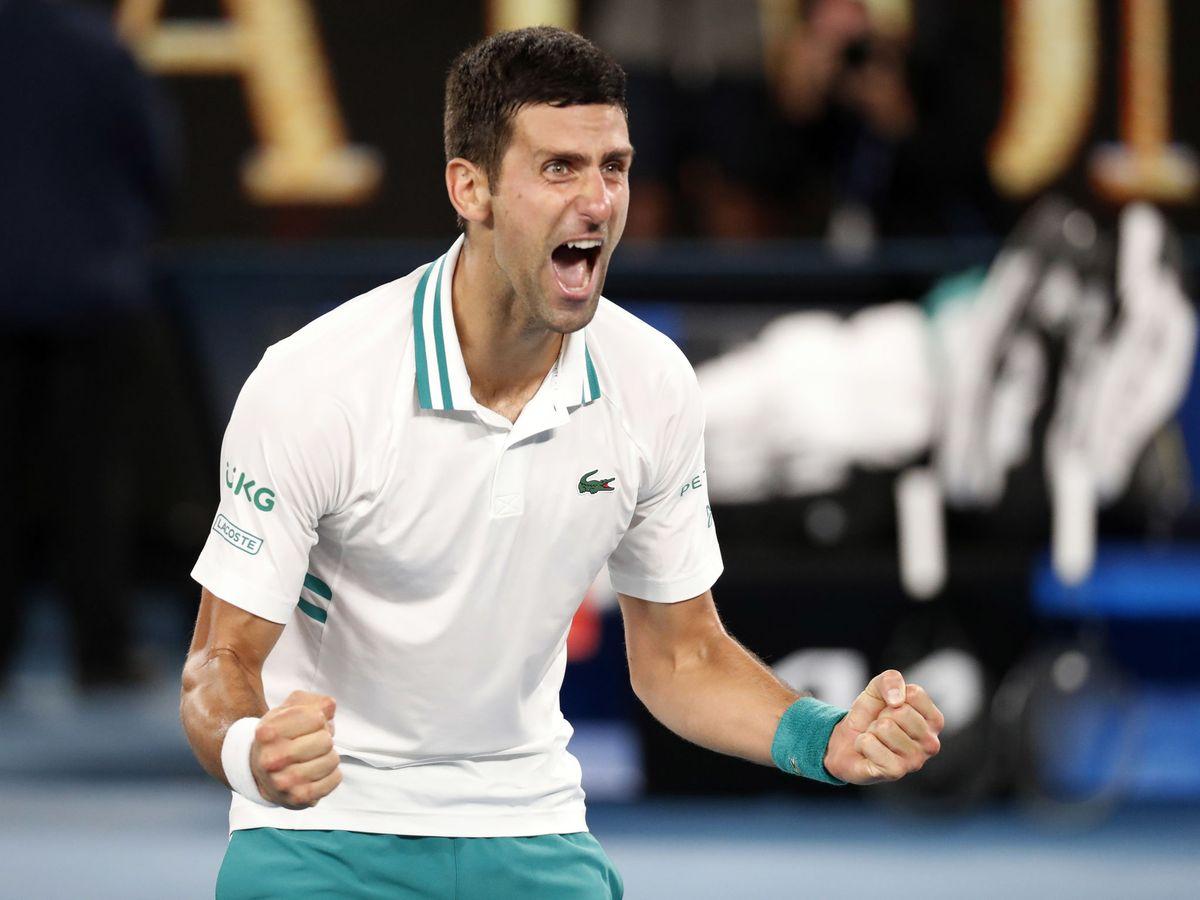 Foto: Novak Djokovic celebra su 18º Grand Slam tras vencer a Daniil Medvedev. (Reuters)