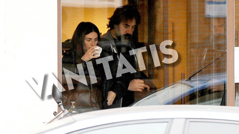 Javier Bardem y Penélope Cruz, saliendo de un restaurante hace unos días en Madrid. (Agencias)