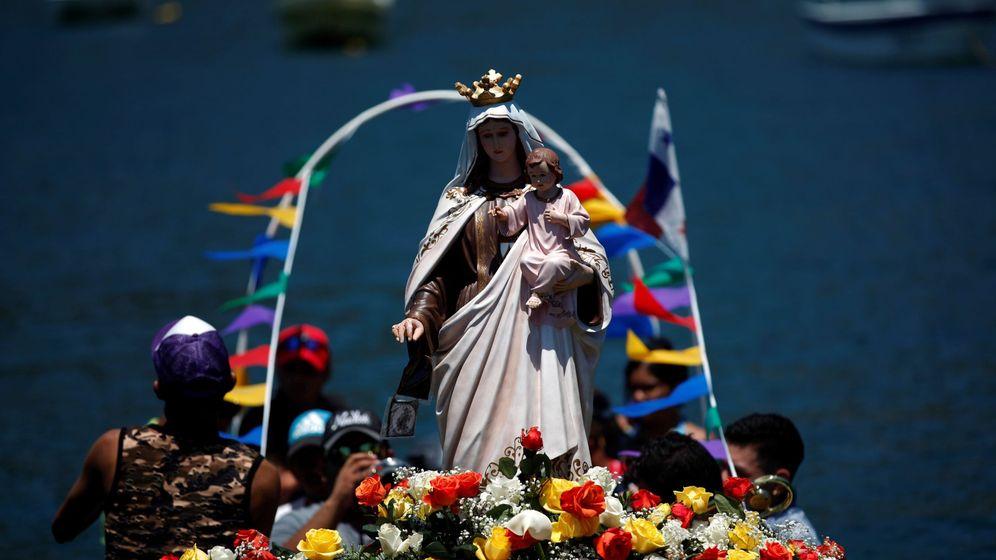 Foto: Romería acuática de la Virgen del Carmen en Isla Taboga, Panamá (EFE)