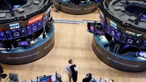 Wall Street se tiñe de rojo ante el paro de EEUU: la solicitudes se duplican hasta 6,6 M