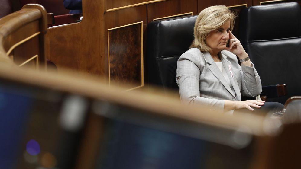 Foto: La ministra de Empleo y Seguridad Social, Fátima Báñez, en el Congreso. (EFE)