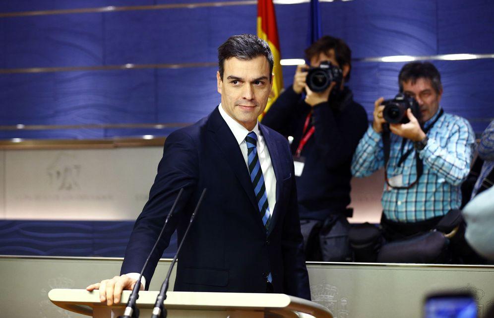 Foto: Pedro Sánchez, antes de la rueda de prensa de este 16 de febrero en el Congreso. (EFE)