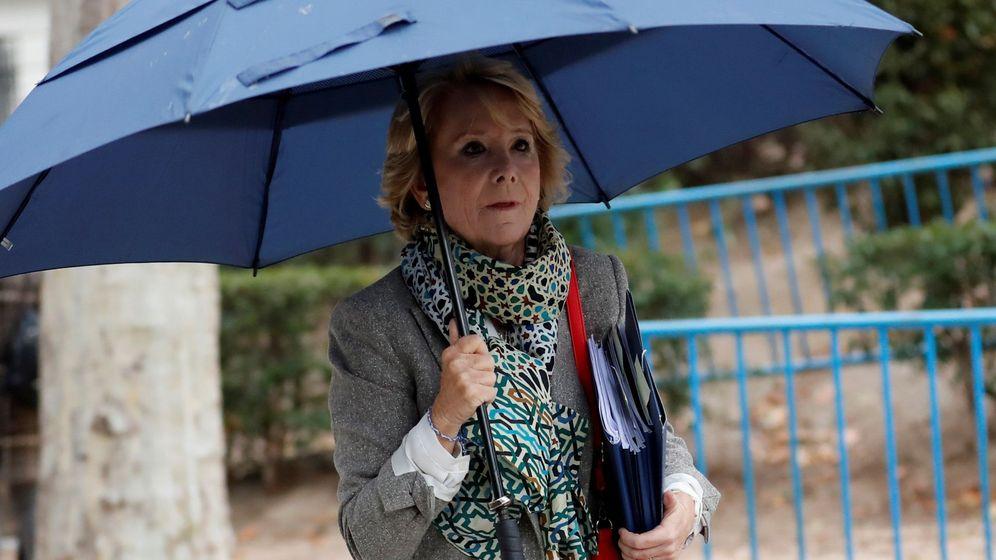 Foto: La expresidenta madrileña y exdirigente del PP de Madrid Esperanza Aguirre a su llegada este viernes a la Audiencia Nacional (EFE)