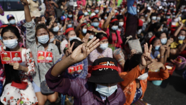 Protesta contra la junta militar en Myanmar. (EFE)