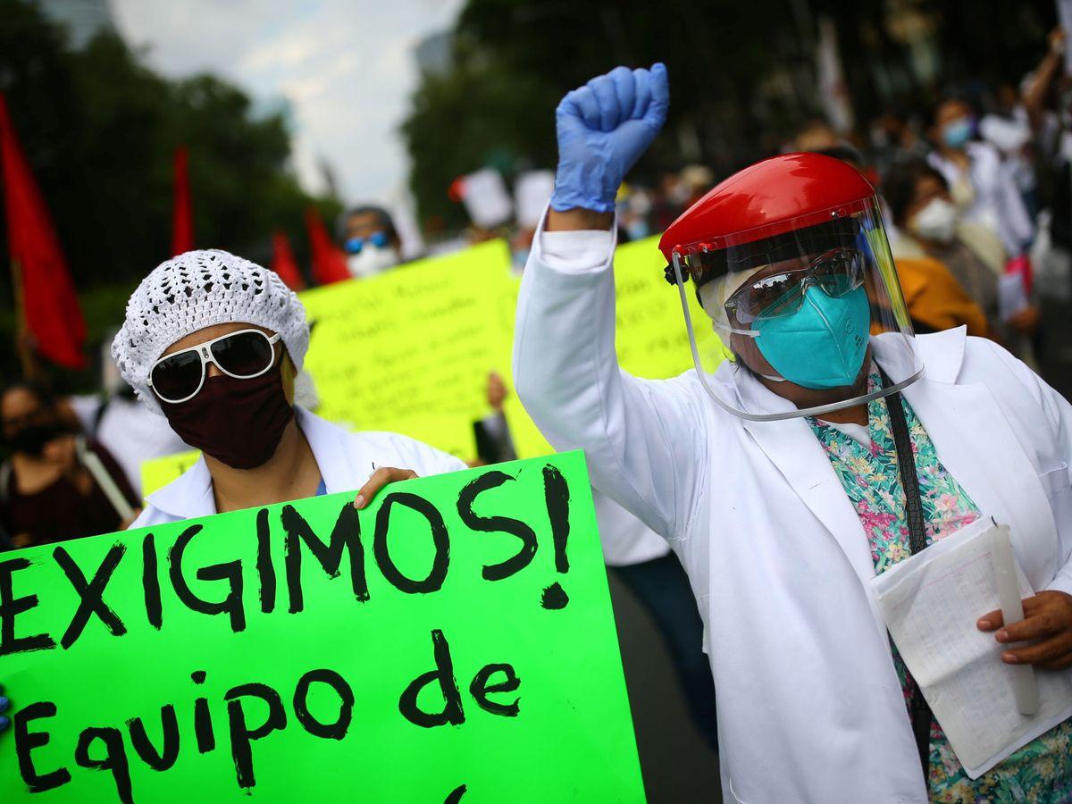 Foto: Protesta en México por la falta de recursos sanitarios. (Reuters)