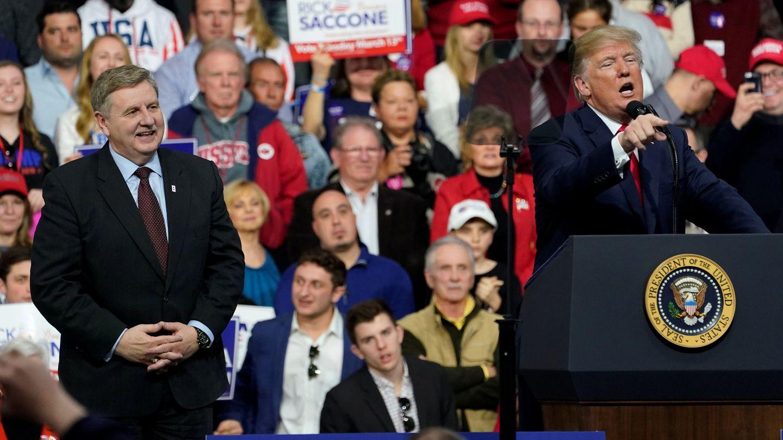 Donald Trump habla en apoyo del candidato republicano al congreso Rick Saccone en Pensilvania, el 10 de marzo de 2018. (Reuters)