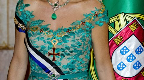 Descubre los 3 secretos del look de gala de Máxima en Portugal