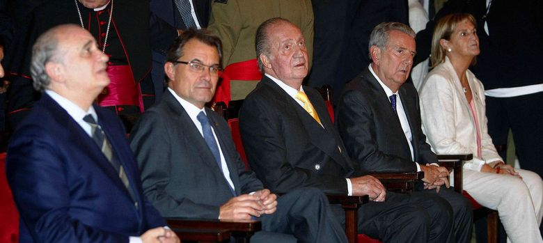 Foto: Jorge Fernández Díaz, Artur Mas, el rey Juan Carlos, el conde de Godó y María de los LLanos (EFE)