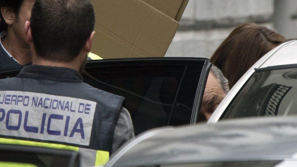 La UDEF rastrea el ordenador del alcalde de Granada en busca de contratos manipulados