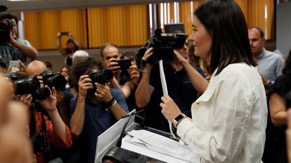 Foto: Carmen Montón, durante su comparecencia de este 10 de septiembre en el Ministerio de Sanidad, Consumo y Bienestar Social. (EFE)