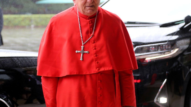 El cardenal Francesco Monterisi, a su llegada. (Reuters)