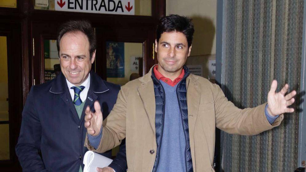 Foto: El torero Francisco Rivera a la salida de los juzgados de Sevilla. (Gtres)