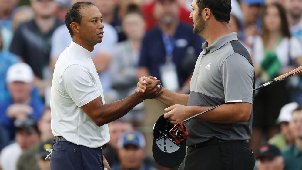 Foto: Jon Rahm (d) y Tiger Woods jugaron juntos las dos primeras rondas del Masters de Augusta. (EFE)
