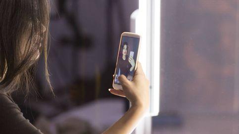 ¿Dónde podría acabar la foto que nuestra hija menor se ha hecho en el espejo?