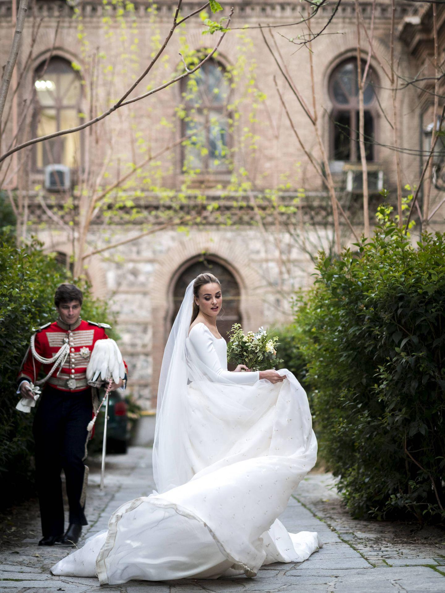 La novia lució un espectacular diseño de Lorenzo Caprile. (Foto: Liven Photography)
