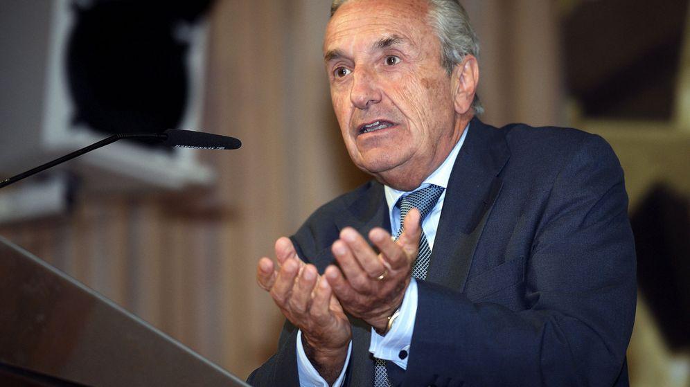 Foto: El presidente de la CNMC, José María Marín Quemada, en un acto en Santander. (EFE)